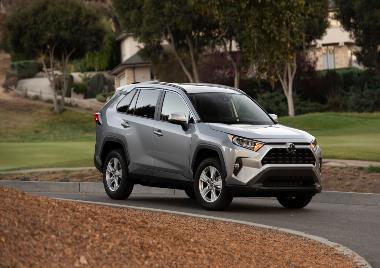 2020 Toyota RAV4_front_right